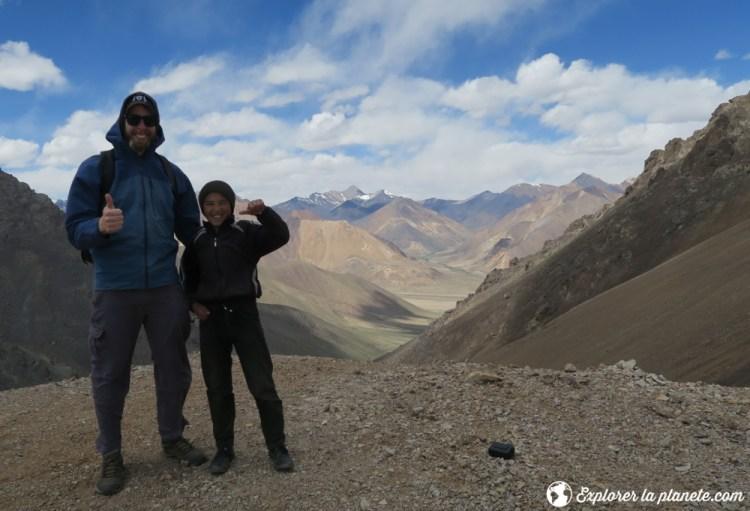 Au sommet du col de Gumbezkul au Tadjikistan