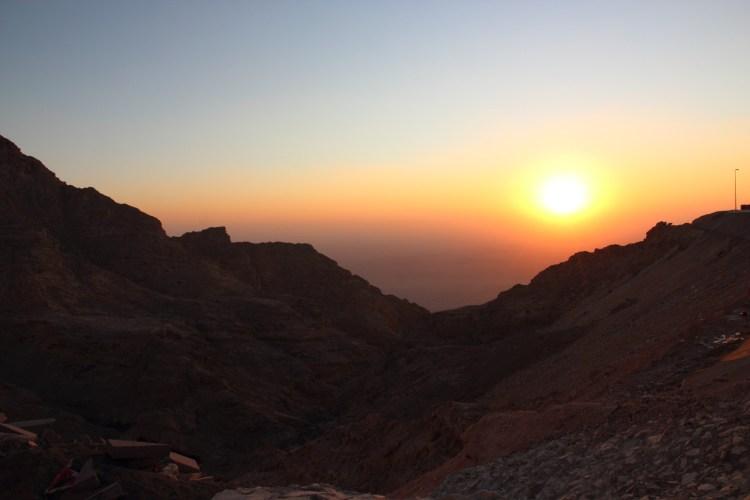 Coucher de soleil aux Émirats arabes unis destinations en dehors des sentiers battus
