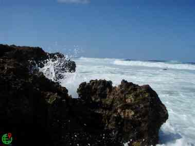 Spray water on the Rocks Hawaii