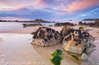 Steine am Strand Bretagne