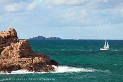 Rosa Granitküste Segelboot