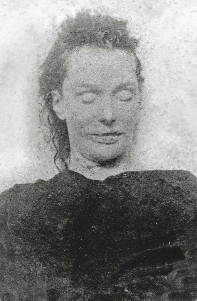 jack the ripper murder photo of Liz Stride in death