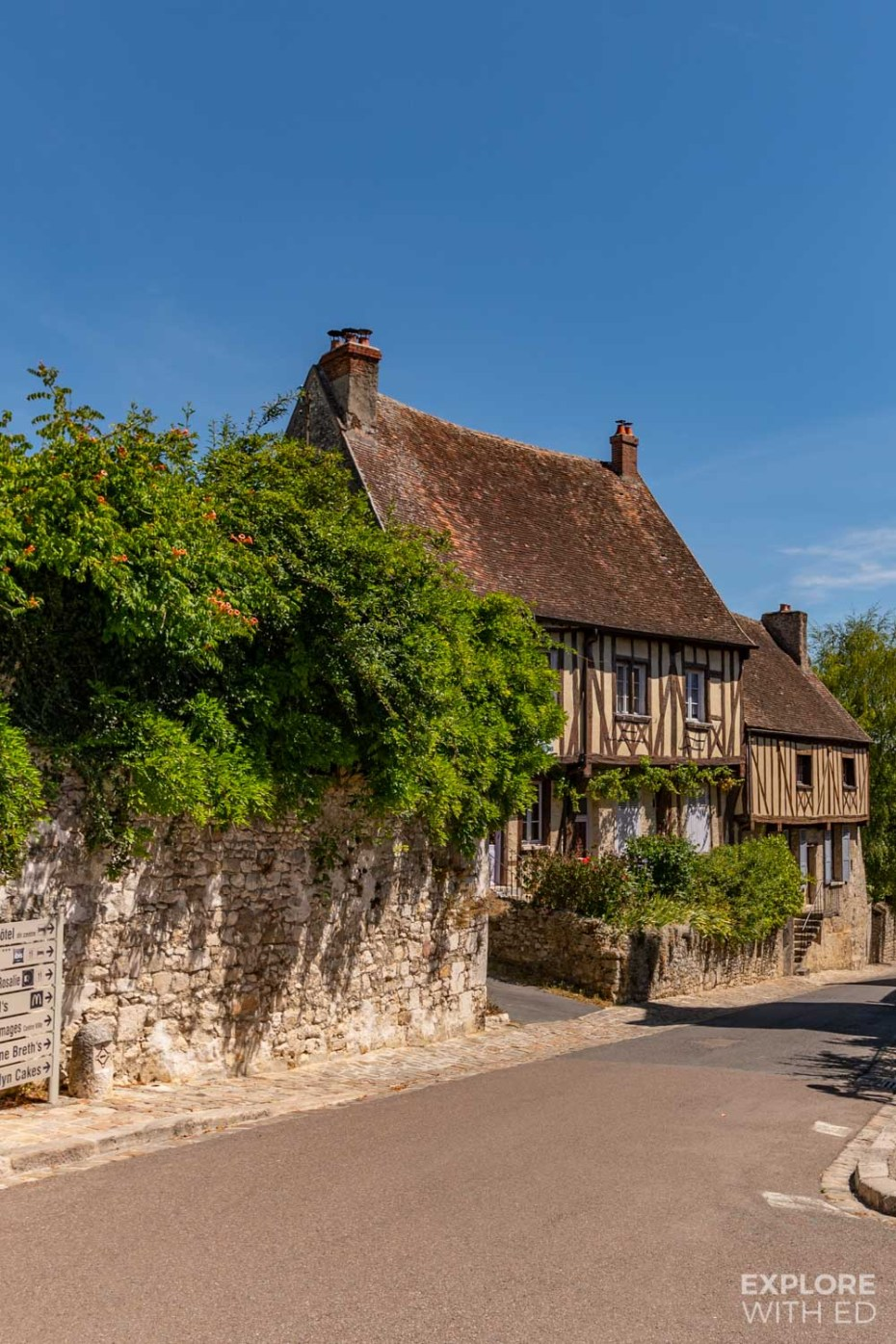 Charming half timbered cottage in Provins