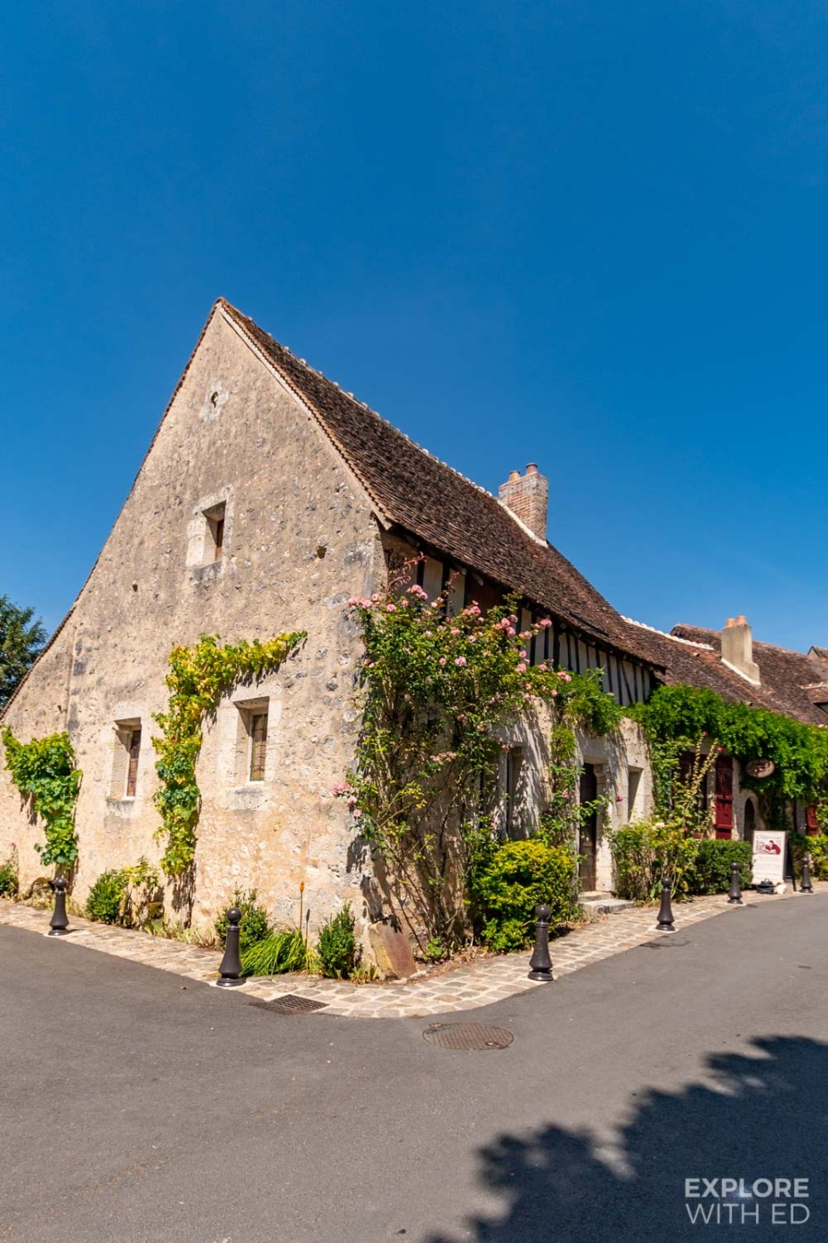 Les Comptoirs, pretty cottage and shop in Provins