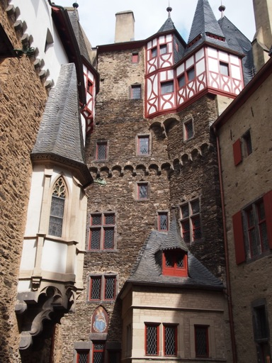 Burg Eltz Eltz Castle A German Fairytale Hidden In A