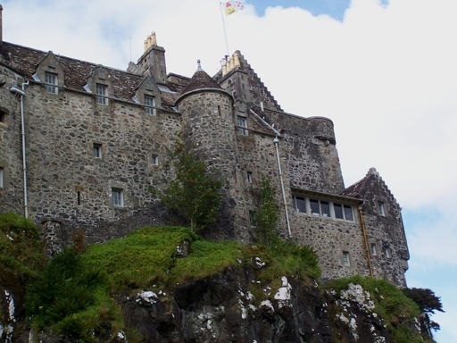 Duart Castle cliffs