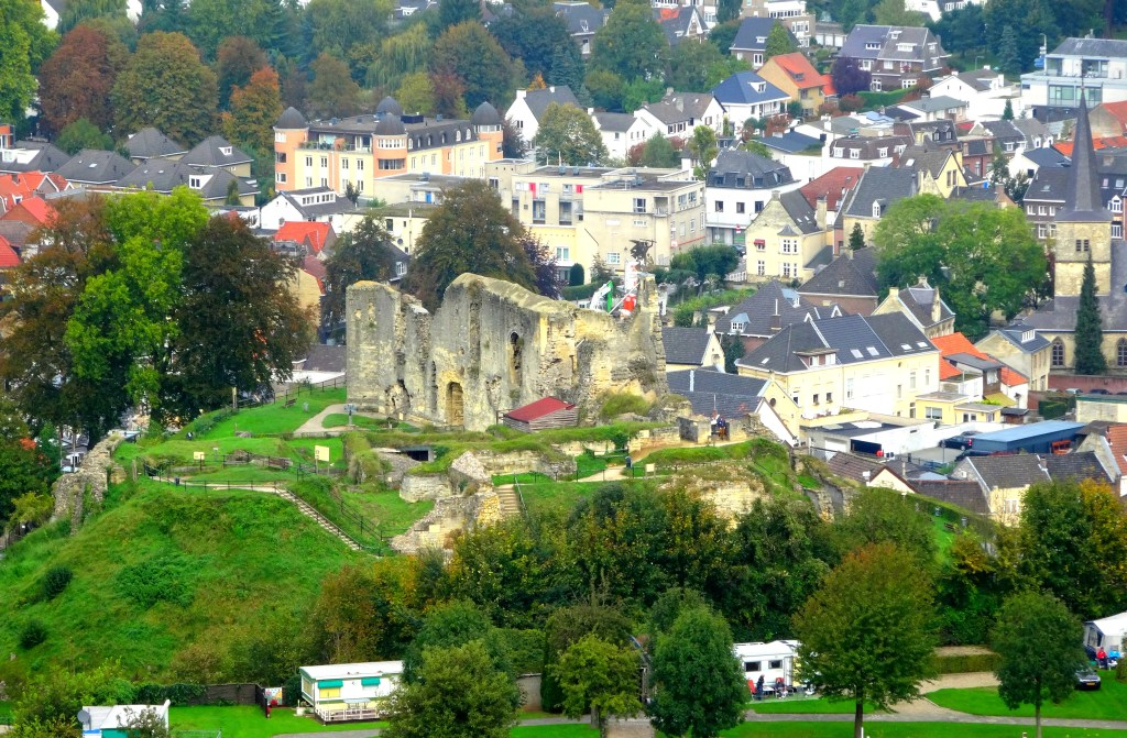 Valkenburg Castle and the surrounding town. Credit: David van der Mark CC-BY-SA-2.0