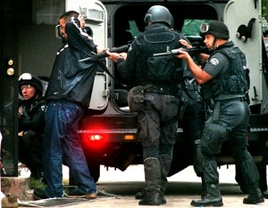 The Rising American Police State - Exposing The Truth