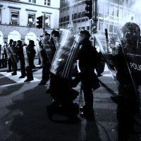 Civil_unrest_Lausanne_mp3h8565-b