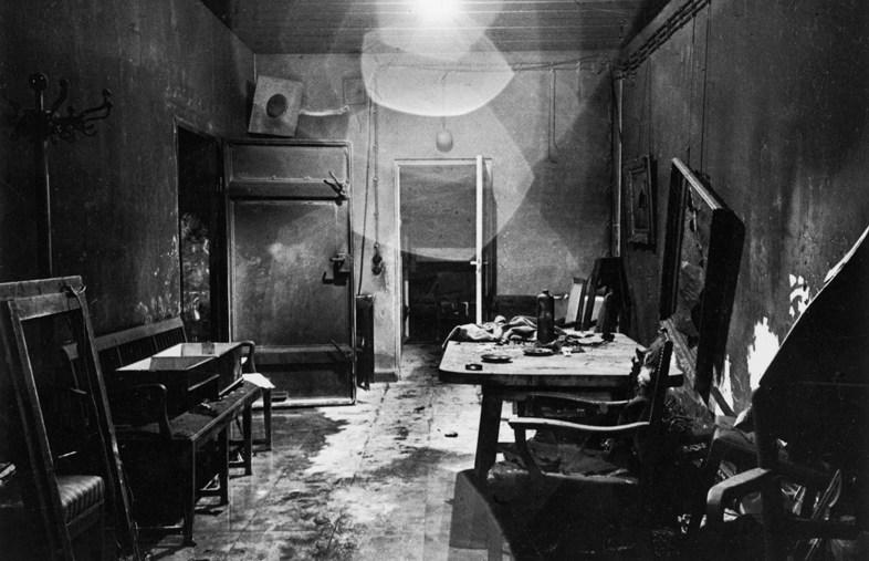 inside of Hitler's bunker (Führerbunker) in 1945