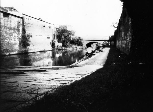 canal pinhole