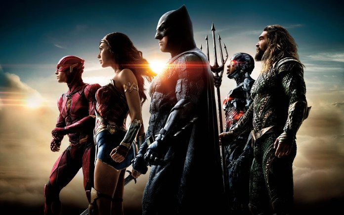 movies-justice-league-mounting