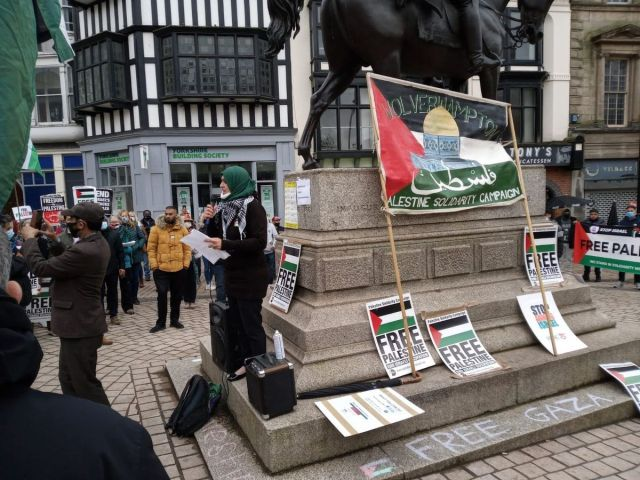 Councillor Ahmed addresses the crowd at the pro-Palestine rally in Wolverhampton