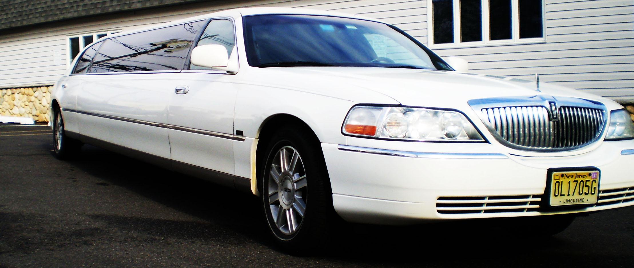 Lincoln Stretch Limousine Service