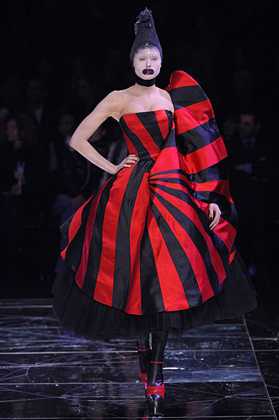 Alexander McQueen FW09 Red and Black Striped Dress on Exshoesme.com