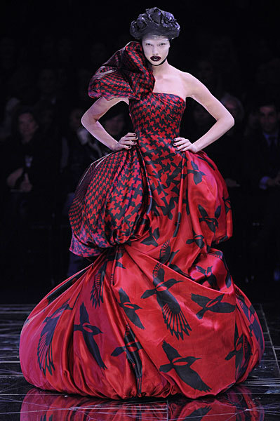 Alexander McQueen FW09 Red and Black Houndstooth Dress on Exshoesme.com
