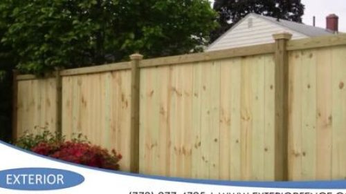 How much does it cost to install a wood fence