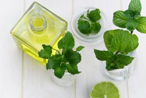 peppermint oil for skin and hair