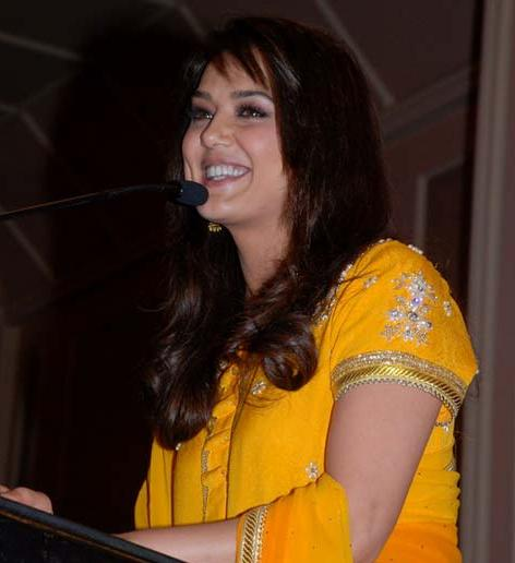 Preity Zinta at Giant Day Awards