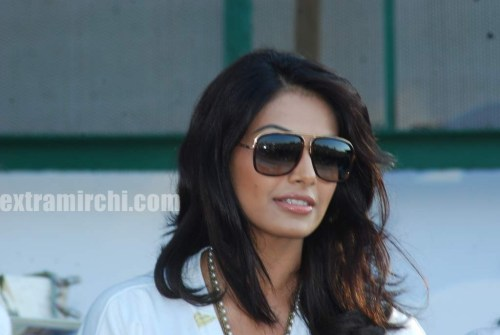 Bipasha Basu at Vandrewala Cup (1)