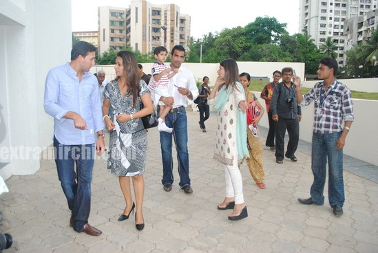 Tina-Ambani-Ajit-Agarkar-Zaheer-Khan-and-Ashish-Nehra-during-the-inauguration-of-SJBCN-International-School-2.jpg