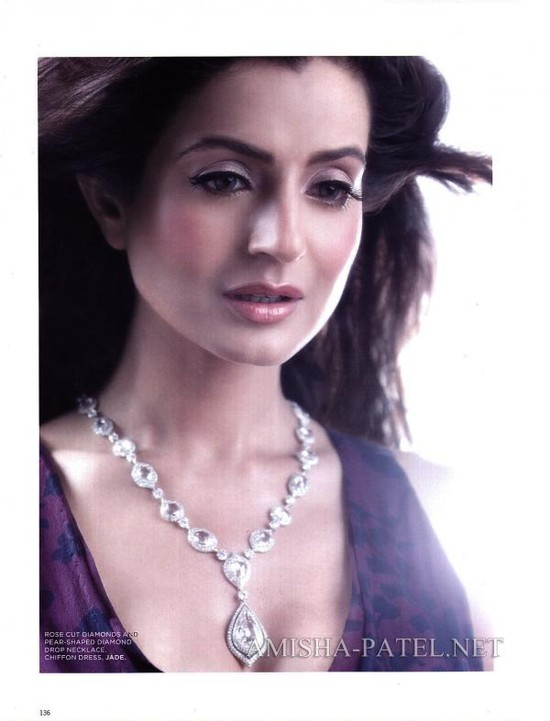 Amisha-Patel-on-LOfficiel-Magazine-4.jpg
