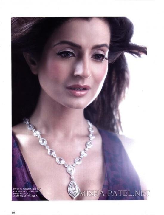 Amisha-Patel-on-LOfficiel-Magazine-4.jpg