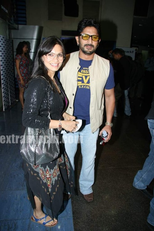 Arshad-Warsi-and-Maria-Goretti-at-Premiere-of-of-Knight-and-Day-1.jpg