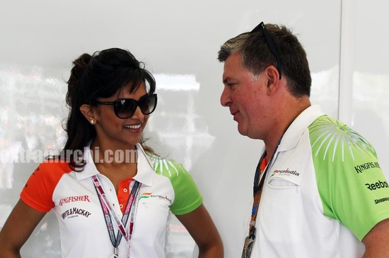 Deepika-Padukone-cheers-for-the-Force-India-F1-Team-at-the-British-GP-3.jpg