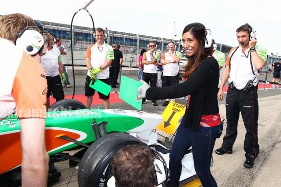 Deepika-Padukone-cheers-for-the-Force-India-F1-Team-at-the-British-GP-4.jpg