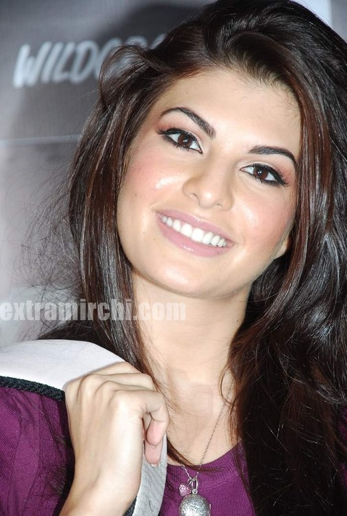 Jacqueline-Fernandez-at-the-launch-of-MTV-Wildcraft-9.jpg