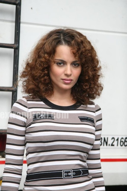 Kangana-on-the-sets-of-Boogie-Woogie-5.jpg