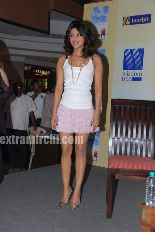 Priyanka-Chopra-launches-Sonal-Kalras-a-calmer-you-5.jpg