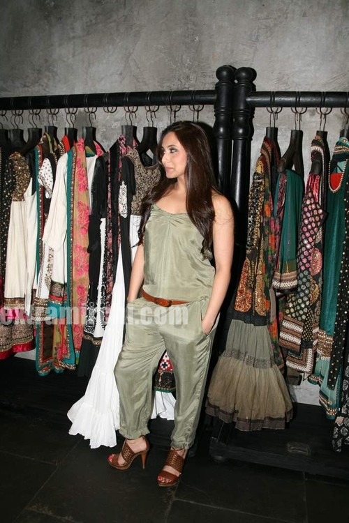 Rani-Mukerji-at-Sabyasachi-Store-Launch-6.jpg