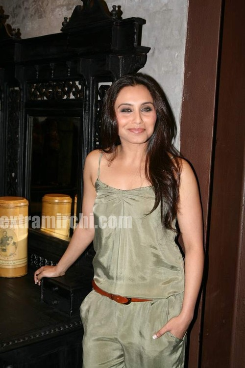 Rani-Mukerji-at-Sabyasachi-Store-Launch-7.jpg