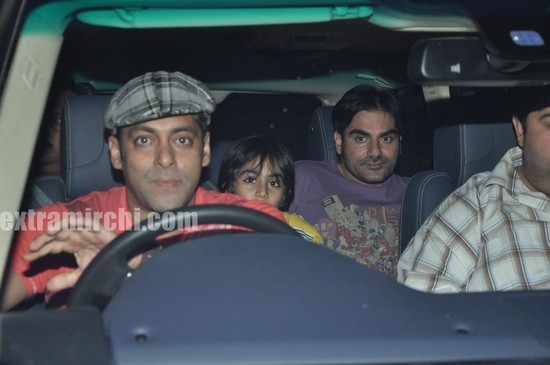 Salman-Khan-at-Tere-Bin-Laden-Screening-6.jpg
