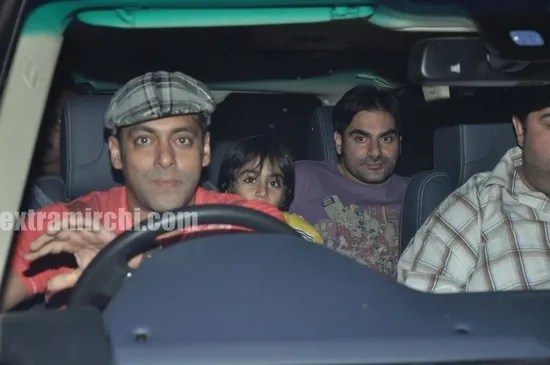 Salman-Khan-at-Tere-Bin-Laden-Screening-6.jpg