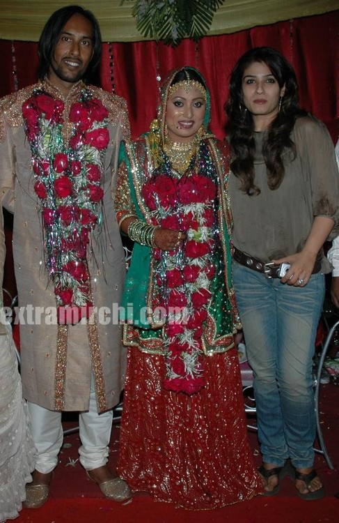 Shabina-Khan-and-Her-Husband-Javed-AnsariActress-Ravina-Roandon.jpg