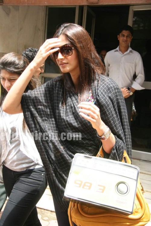 beautiful-Sonam-at-Radio-Mirchi-at-Lower-Parel.jpg