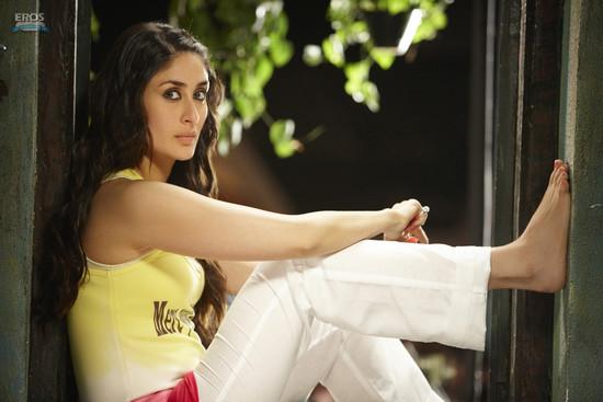 Golmaal-3-Ajay-Devgn-Kareena-Kapoor-Arshad-Warsi-Tusshar-Kapoor-and-Shreyas-Talpade-1.jpg