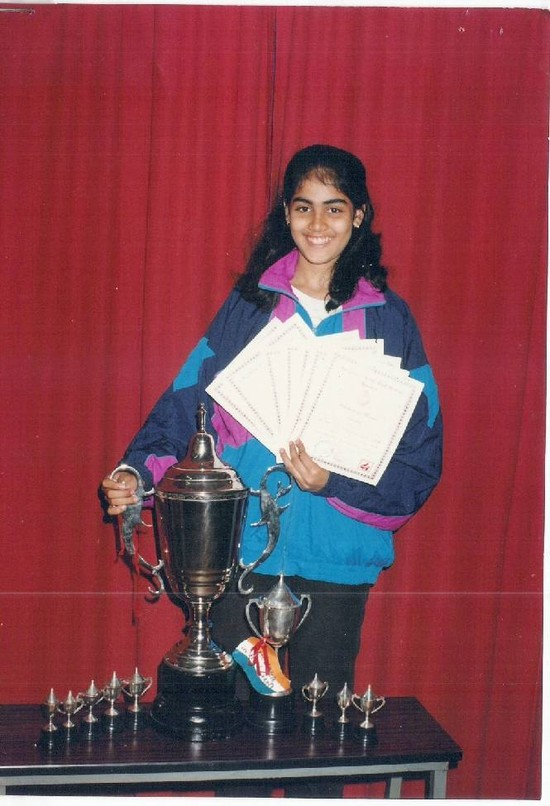 Genelia-pics-from-School-Days-2.jpg