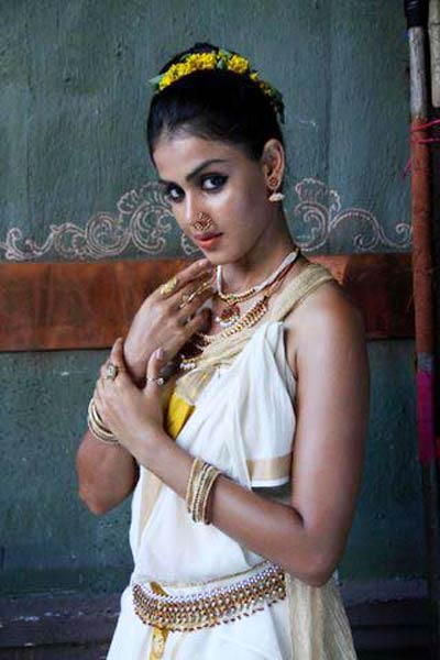 Genelia-in-Malayalam-movie-Urumi-5.jpg