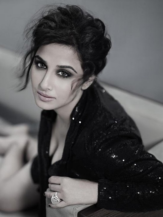vidya-balan-filmfare-photo-shoot-pics-7.jpg