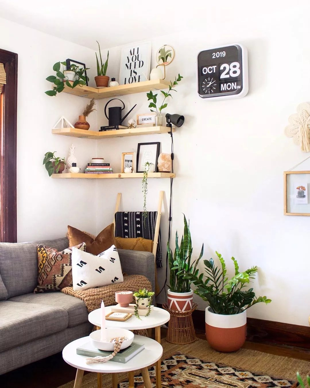 Modern design apartment with plants. Photo by Instagram user @natalie_ranae