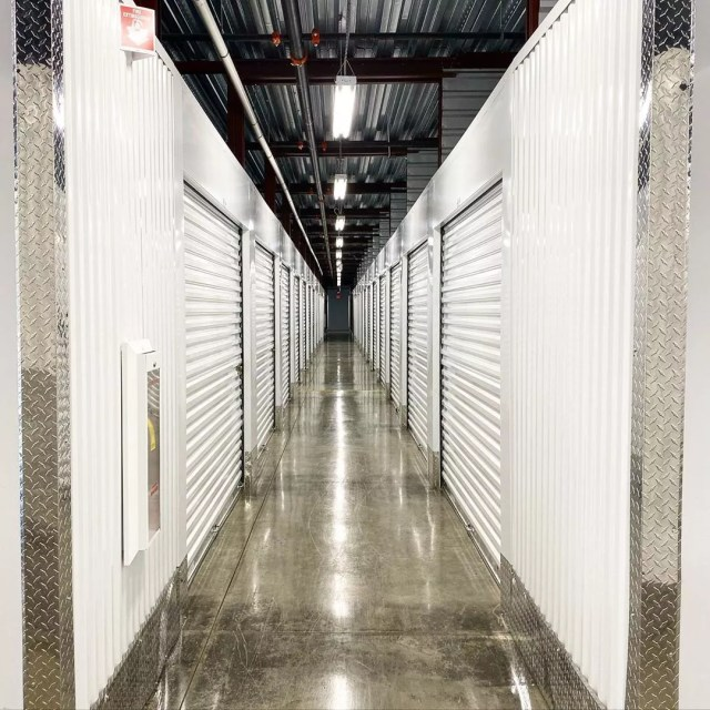 View of an Extra Space Storage Hallway. Photo by Instagram user @iaminteriorsbyanamatiz