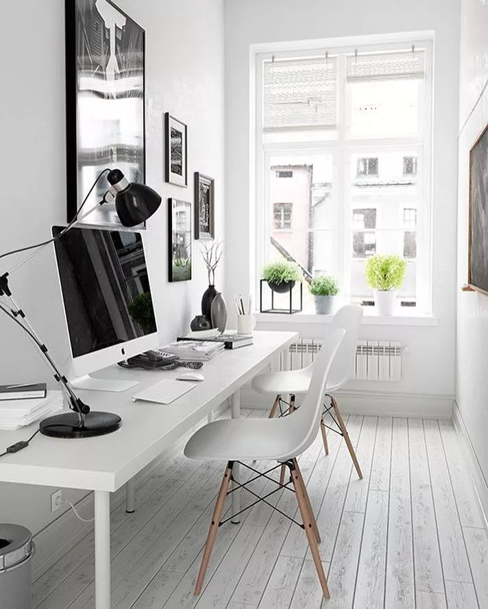 Small Office Desk in a Small Apartment. Photo by Instagram user @wellie_and_wolf_decor