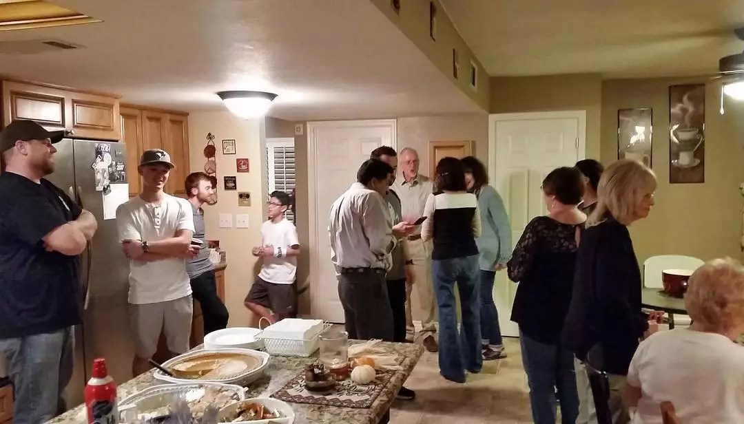 Church group gathers at house. Photo by Instagram user @gracelifeinaz