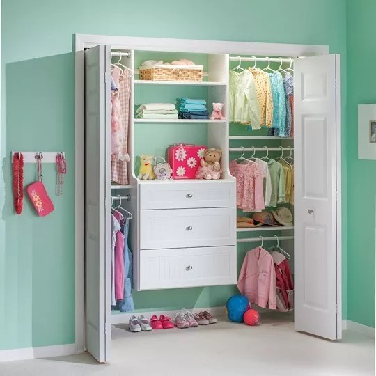 Childrens Closet with Organizer and Clothes. Photo by Instagram user @inspiredclosetsbytom