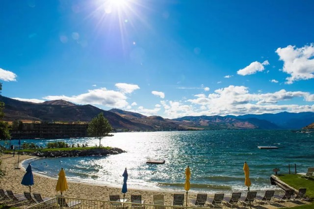 Beach View of Lake Chelan in Washington. Photo by Instagram user @lake_chelan