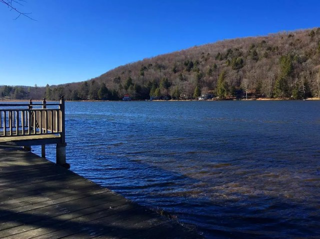 Peaceful Waters off the Shore of Lake Wallenpaupack. Photo by Instagram user @innatstarlightlake
